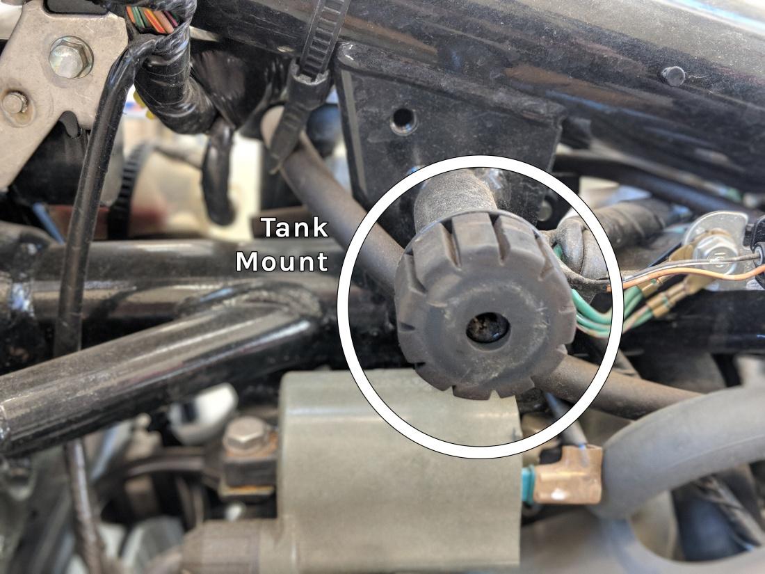 vt750 fuel tank mount detail